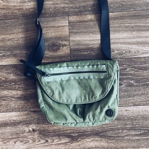 Green Lululemon crossbody purse